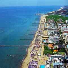 La spiaggia zona faro